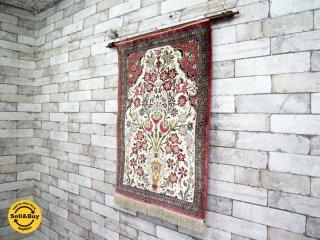 ペルシャ絨毯 タペストリー クム産 ゴルダニ柄 シルク100% 56×78cm ●