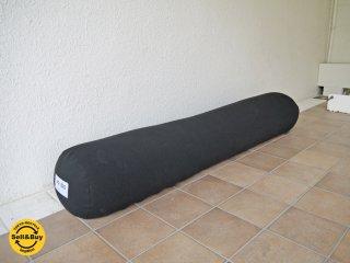 ヨギボー yogibo ロールマックス Roll Max 抱きまくら ブラック ビーズクッション 定価:\16,200- ◇