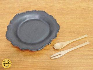 井山三希子 花形皿 プレート ブラック ●