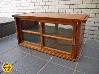 木味のガラスショーケース ビンテージ ディスプレイケース 飾り棚 両面■