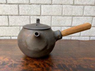馬場勝文 黒釉急須 丸型 黒 陶器 急須 チーク材取っ手付き ■