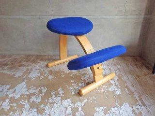 リボ Rybo バランスイージー Balans EASY デスクチェア 学習椅子 ブルー 青 北欧 ノルウェー♪