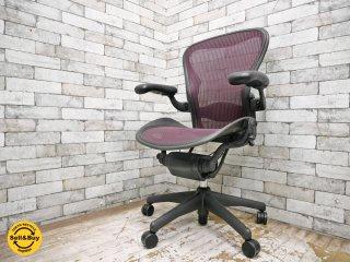 ハーマンミラー Herman Miller アーロンチェア Aeron Chair フル装備 Bサイズ ランバーサポート バナナクッション新品交換済み レッド系カラー ●