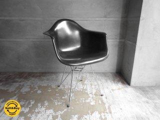 ハーマンミラー Herman Miller アームシェルチェア 現行 FRP製 ブラック エッフェルベース イームズ ミッドセンチュリー♪