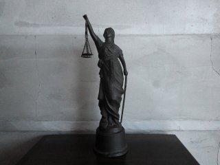 正義の女神 テミス 置物 ギリシャ神話 高さ32cm ♪
