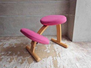リボ Rybo バランスイージー Balance Easy ピンク カバーリング ノルウェー 学習椅子 カバー付き ♪