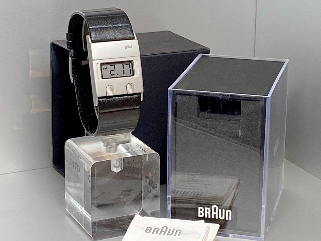 ブラウン BRAUN デジタルウォッチ 腕時計 DW30 復刻モデル BN0076 ディーター・ラムス & ディートリッヒ・ルブス ケース付 希少 ■