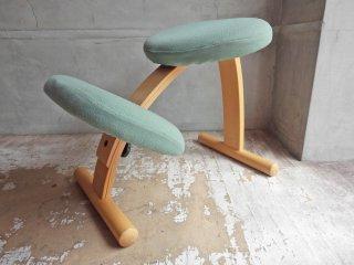 リボ Rybo バランスチェア イージー Balans EASY ミックスファブリック グリーン 姿勢矯正 学習椅子 北欧家具 ノルウェー カバー付き ♪