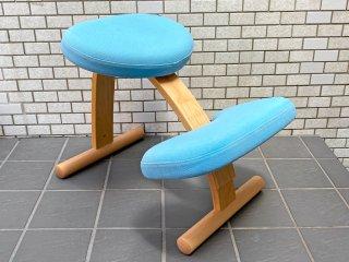 サカモトハウス SAKAMOTO HOUSE リボ Rybo バランスイージー Balance Easy ライトブルー 北欧ファブリックコラボカバー付き バランスチェア 学習椅子 ■