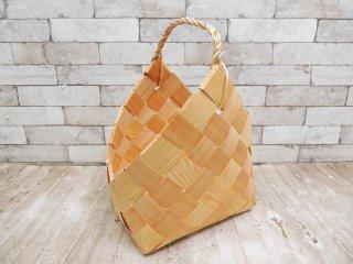 フィンランド製 Made in Finland 松の木 編み バスケット カゴ ハンドル付き ナチュラル ●