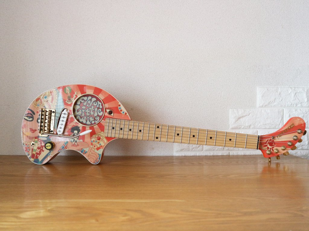 フェルナンデス FERNANDES ZO-3 Little Wing アンプ内蔵 ゾーサン ジミヘン Jimi Hendrix サイケ 専用ケース付 ◎
