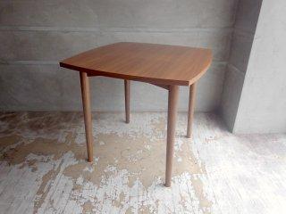 ウニコ unico ホルム HOLM ダイニングテーブル ウォールナット材 W80cm 北欧ビンテージスタイル 廃番 参考価格:¥53,784-♪