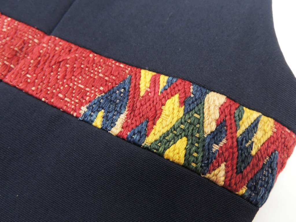 コムデギャルソン オムプリュス COMMEdesGARCONS HOMME PLUS ベスト 刺繍デザイン × ストライプ ネイビー M アーカイブ ●