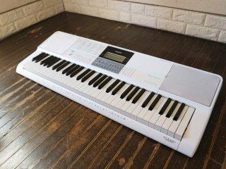 カシオ CASIO 光ナビゲーションキーボード LK-516 61鍵盤 箱&楽譜&ヘッドホン&マイク付 新品未使用品 ◎