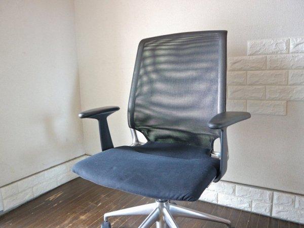 ヴィトラ vitra メダチェア Meda Chair オフィスチェア アーム付 昇降機能 リクライニングロック アルベルト・メダ デスクチェア ワークチェア ◎