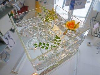 ツェツェ・アソシエ Tsé&Tsé associées 浮き輪の花器 フラワーベース エイチピーデコ H.P.DECO 取扱い 定価¥27,300- ●