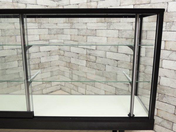 シンプルデザイン ガラスショーケース ディスプレイケース 飾り棚 全面ガラス 店舗什器 W150 ●