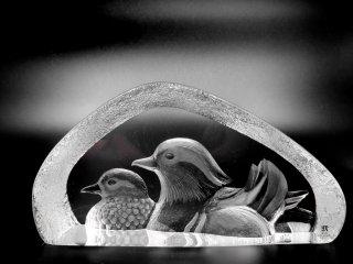 マッツ・ジョナサン Mats Jonasson クリスタル ペーパーウェイト オブジェ 2羽の水鳥 Crystal Paper weight Sculpture waterfowl 置き物 北欧 ●
