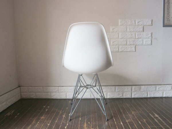 ハーマンミラー HermanMiller × ヴィトラ vitra. Wネーム C&R.イームズ Charles & Ray Eames サイドシェルチェア ホワイト エッフェルベース DSR A ◎