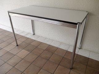 ユーエスエムハラーシステム USM Haller テーブル W1250×D600 美品 白ラミネート天板 定価¥112,741- デスク オフィス家具 MoMA 店舗什器 スイス製 C ◇