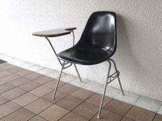 ハーマンミラー Herman Miller サイドシェルチェア 現行FRP製 ブラック 肘掛けテーブル付 スクールベース スタッキングベース DSS ◇