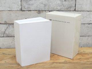 メゾン・マルタン・マルジェラ Maison Martin Margiela クリーム CREAM Edition 2008 Issue.09 写真集 ソフトカバー 設立20周年記念 箱付 ●