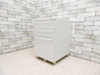 無印良品 MUJI スチール デスクキャビネット デスクワゴン ライトグレー バーハンドル キャスター付 定価:\22,900- B ●