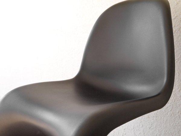 ヴィトラ vitra. パントンチェア Panton Chair ブラック ヴェルナー・パントン Verner Panton スタッキングチェア ミッドセンチュリー スペースエイジ ◇