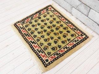 ギャッベ gabbeh 手織り チェアマット ミニラグ ウール ベージュ系カラー 座布団サイズ 43×40cm ●