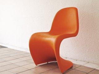 ヴィトラ vitra. パントンチェア Panton Chair オレンジ ヴェルナー・パントン Verner Panton スタッキングチェア ミッドセンチュリー スペースエイジ B ◇