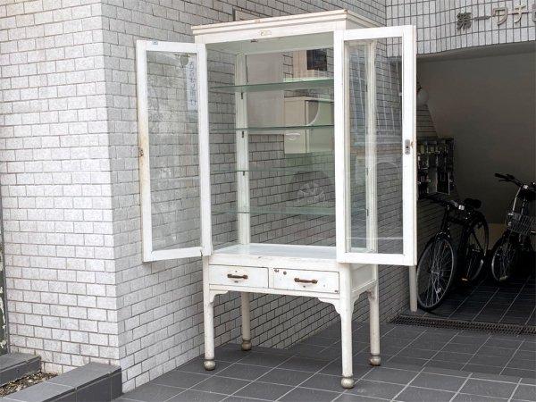 ビンテージ ドクターキャビネット ケビント ホワイト シャビーシック 医療棚 ディスプレイケース 4面ガラス ガラス棚板 ■