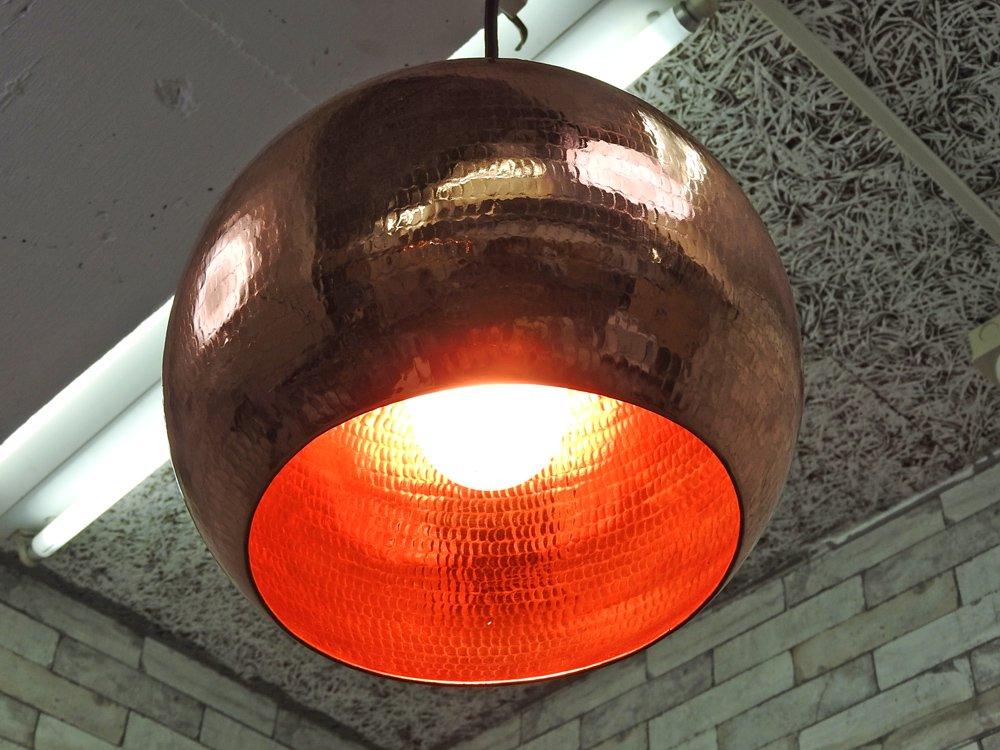 マーブルデュモンド Meubles Du Monde 銅製 ペンダントライト 吊り下げ照明 鎚目模様 トム・ディクソン風 ●