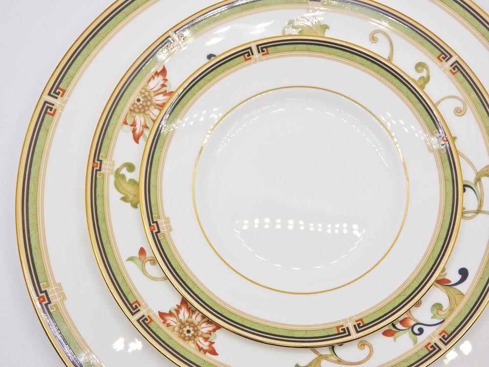 ウェッジウッド WEDGWOOD オベロン oberon 白磁プレート 15cm パン皿 旧刻印 ボーンチャイナ BONE CHINA 廃番品 英国 B ♪