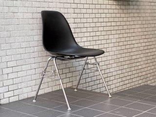 ハーマンミラー HermanMiller サイドシェルチェア スタッキングベース ブラック ポリプロピレン製 イームズ ミッドセンチュリー B ■