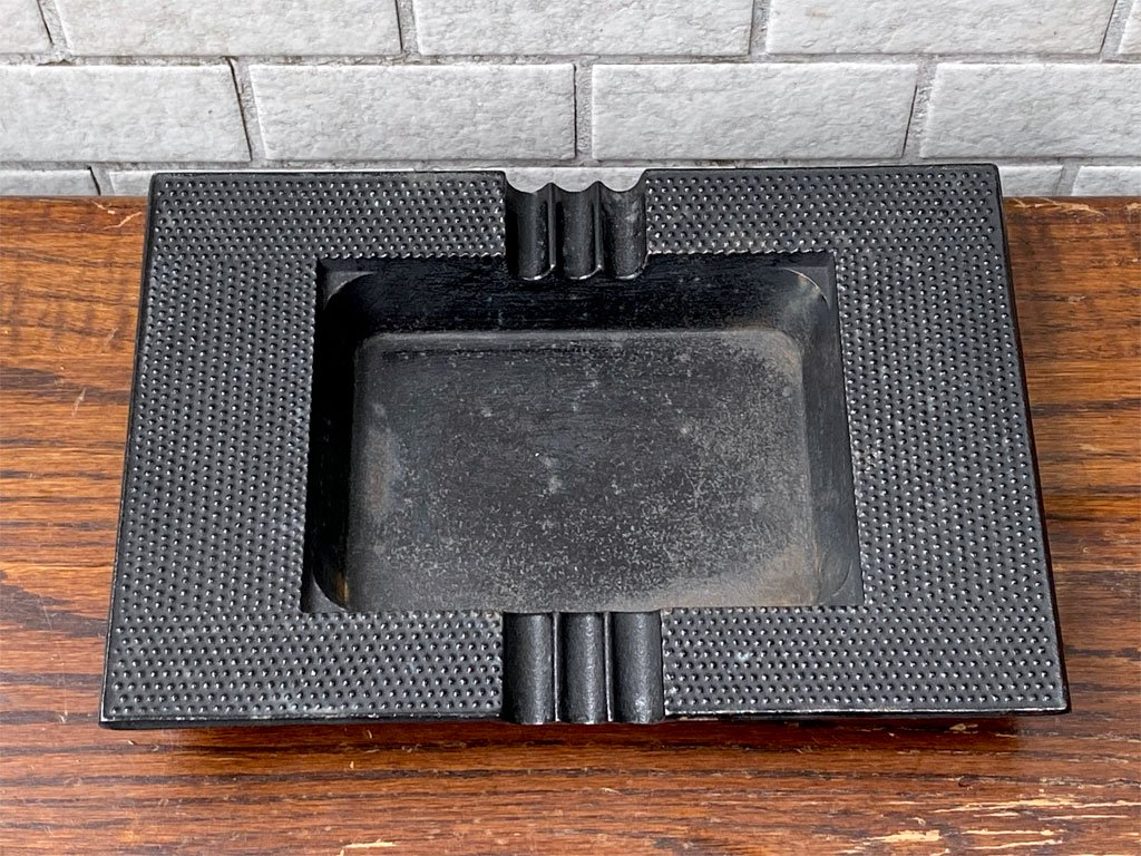 岩鋳 iwachu 南部鉄器 灰皿 アシュトレイ あられ 鋳鉄 伝統工芸 民藝 和モダン ■