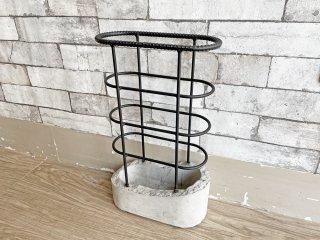 インダストリアルデザイン Industrial Design 傘立て アンブレラスタンド 鉄筋×コンクリートベース 工業系 ブルックリンスタイル 参考定価:約2.4万円 ●