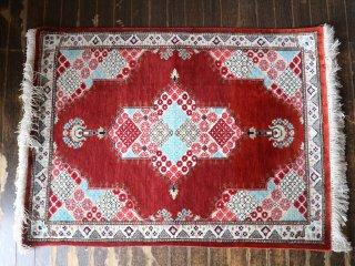 ペルシャ絨毯 イラン製 玄関マット ラグ 絹100% トランジ メダリオン クム 手織り レッド 79×59cm ◎