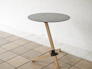 デュエンデ DUENDE トレ サイドテーブル TRE Side Table スチール×オーク材 ブラック 芦沢啓治デザイン ◇