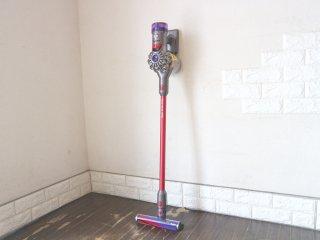 ダイソン dyson V8 SlimFluffy+  コードレスクリーナー 掃除機 充電器・フトンツール・LED隙間ノズル付き ◎