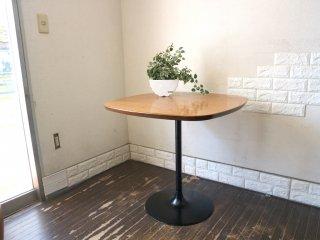 グラフ graf プランクトンテーブル Plankton table カフェテーブル ダイニングテーブル チーク材天板 スチール脚 ◎