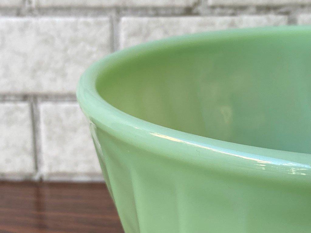 ファイヤーキング FIRE KING スワール Swirl ミキシングボウル ホワイト 直径20.5cm ミルクガラス アメリカ ■