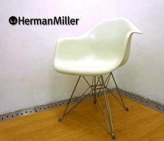 ハーマン・ミラー ◇ 70's ヴィンテージ 2nd  『 アームシェルチェア ( DAR ) 白 』 エッフェルベース