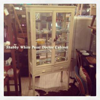 ☆Shabby White Paint  Doctor Cabinet