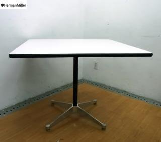 ● hermanmiller ハーマンミラー製 コントラクトテーブル スクウェア