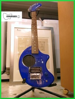 ■フェルナンデス Fernandes Zo3 スピーカー内蔵ギター ブルー ソフトケース付