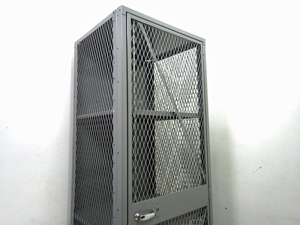 PFS / パシフィックファニチャーサービス 取扱い LYON/ リオン社  『メッシュロッカー』 E●