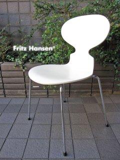 デンマーク Fritz Hansen / フリッツ・ハンセン ★ Arne Jacobsen / アルネ・ヤコブセンデザイン ★ 『 Ant Chair / アントチェア ( White ) 』