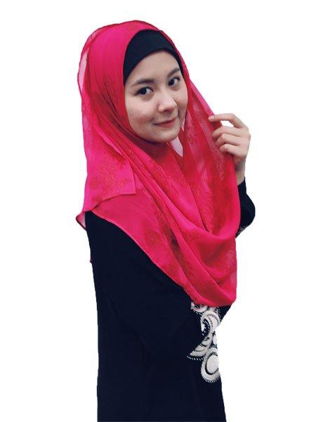 �ヒジャブっていちいち巻くのが大変、ずれちゃうしと思っているムスリムの皆さん。着脱簡単な、ずれないヒジャブがあるんです。WATASI JAPANのインスタントヒジャブならすぐ被れてずれません。