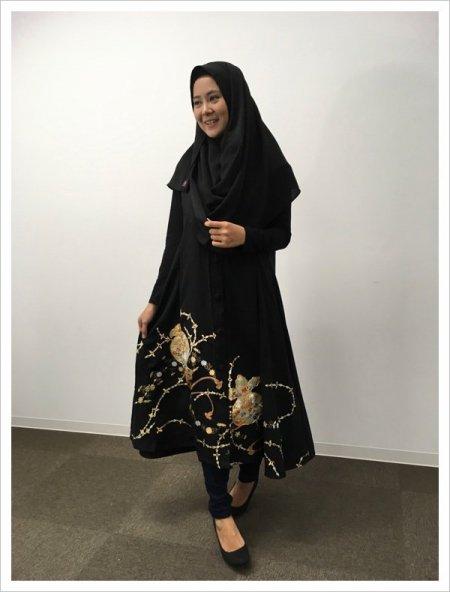 【NEW】日本の最高級の美!!着物ムスリムファッション。運気、金運アップ!宝尽くしの文様が施された黒留袖ロングカーディガン。本物の着物から再生された黒留袖ロングカーディガンはお土産に最適です。
