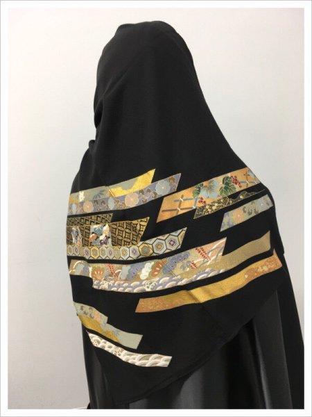 【インドネシアメディア掲載商品!】イスラム教徒へのお土産に悩まれている方へ。軽くて持ち運びも簡単。人と人を結びつける熨斗の文様が施された着物ヒジャブ。本物の着物を再生した着物ヒジャブはお土産に最適です